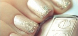 Prom Nail Ideas to Match Prom Gown Color