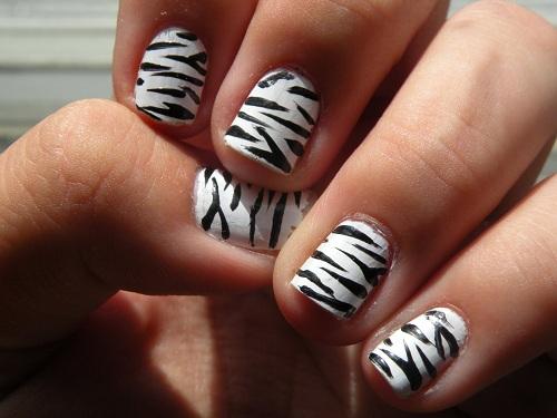 Zebra Print Nails Tips