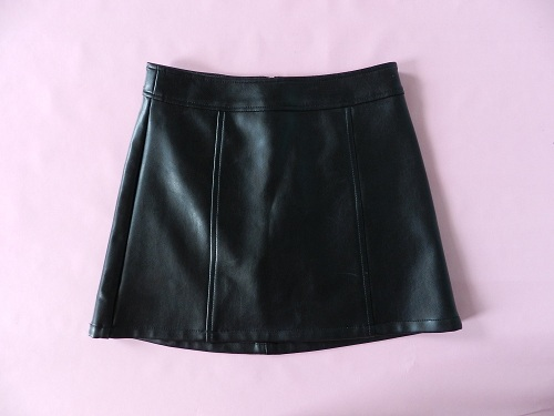 Black Vinyl Mini Skirt Styles