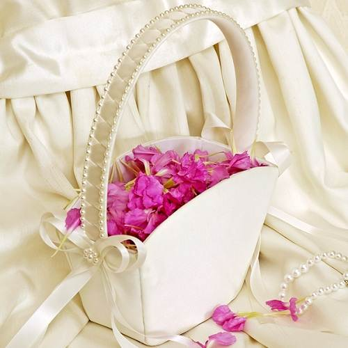 How To Make A Flower Girl Basket With Fabric : Flower girl basket ideas unique