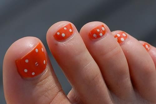 Bright Toe Nail Designs Polka Dot