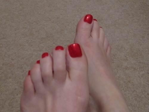 Bright Toe Nail Designs Red