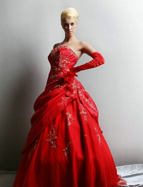 Red Puffy Prom Dresses UK