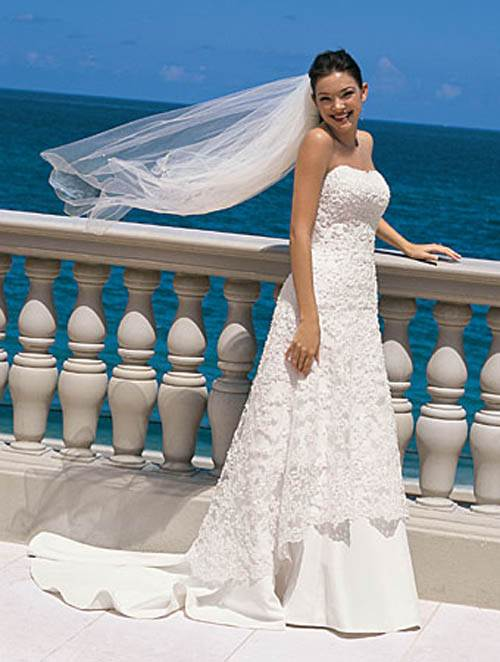 Wedding Dress Styles on the Beach Images